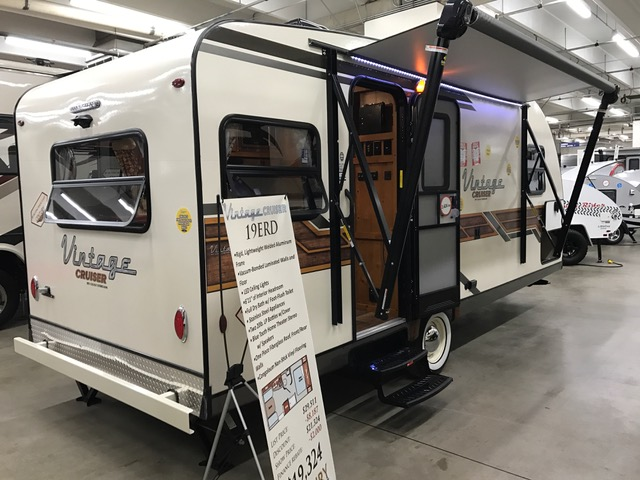 Vintage Cruiser Estate Wagon was on display at several RV Shows this weekend